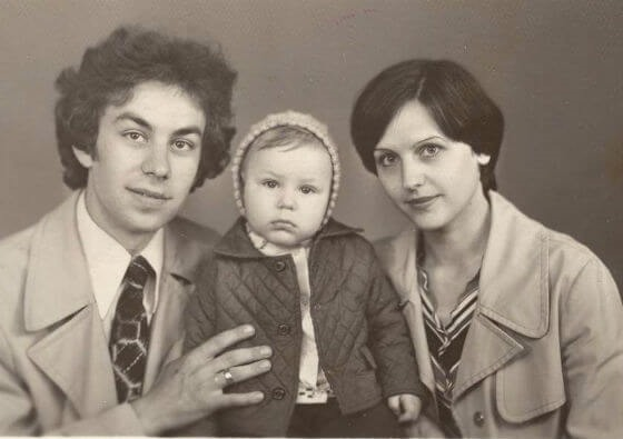Дмитрий Дюжев с родителями