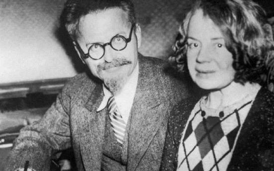 Лев Троцкий и его вторая жена Наталья Седова