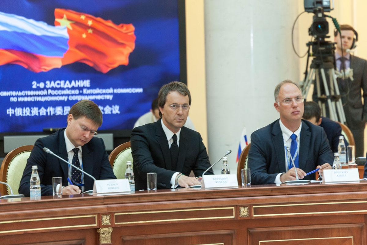 На фото: Руслан Сулимович Байсаров (в центре)