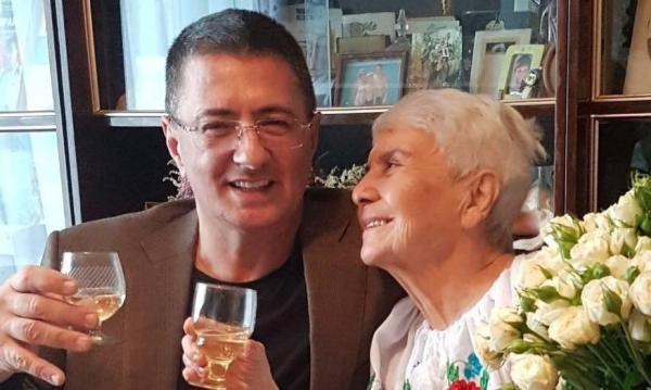 Александр Мясников с мамой