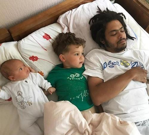 Энтони Родд с детьми