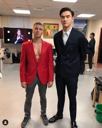 Алексей Щербаков с другом Нурланом Сабуровым