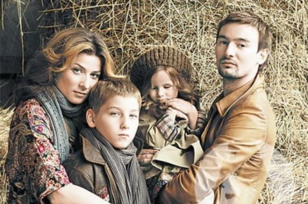 Семья Бодаевых с детьми