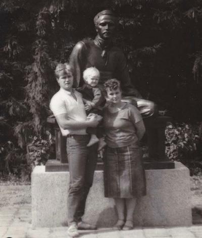 Кирилл Зайцев с родителями