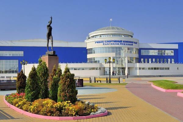 Монумент в честь спортивных побед российской гимнастки Светланы Васильевны Хоркиной