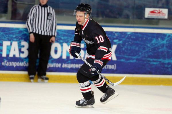 Одно из хобби Александра Удодова - хоккей