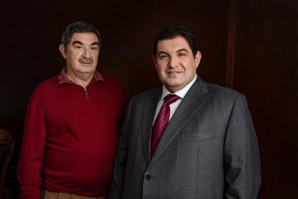Петр Кацыв с сыном