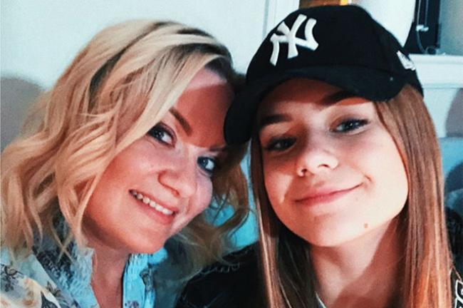 Катя Адушкина с мамой