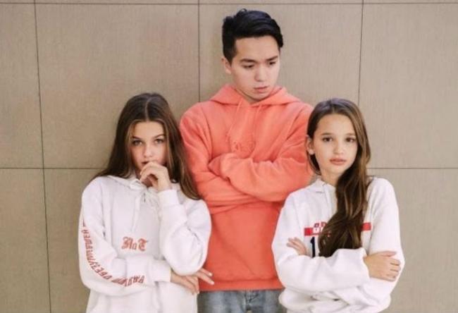 Рахим Абрамов с сестрами