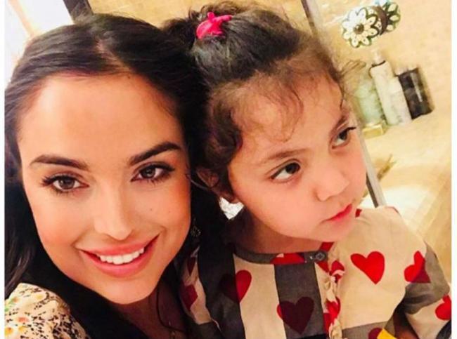 Лейла Алиева с приемной дочерью