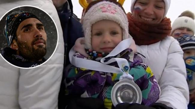 Фуркад подарил медаль девочке