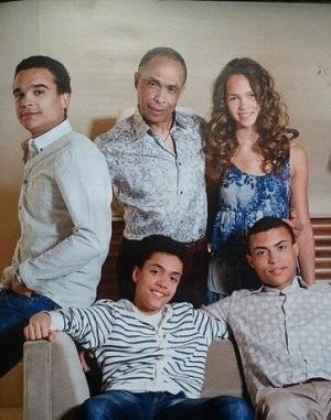 Родд с сыновьями и дочерью
