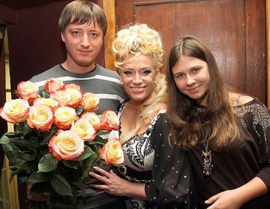 Наталья Гулькина с детьми