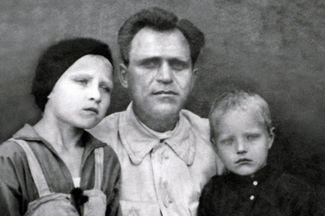Римма Маркова с отцом и братом