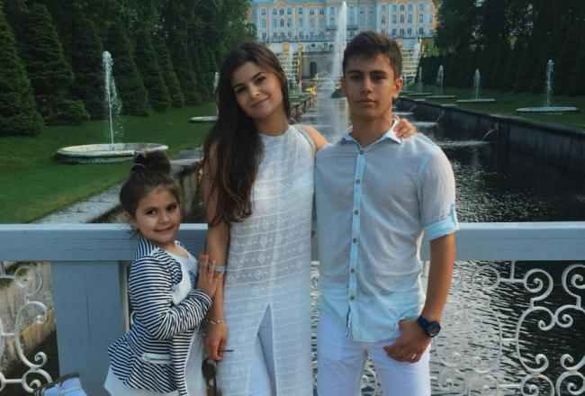 Яна Ханикерян с племянницей