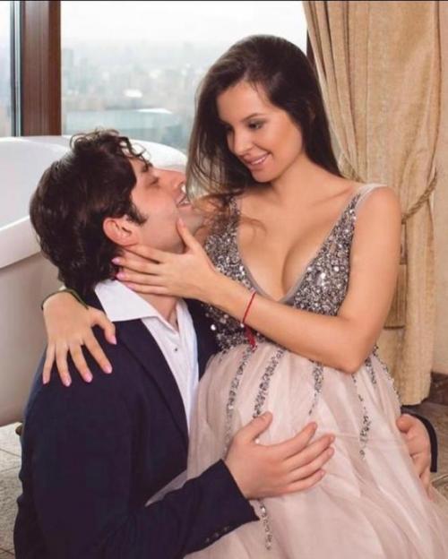 Дочь Натальи Штурм с мужем