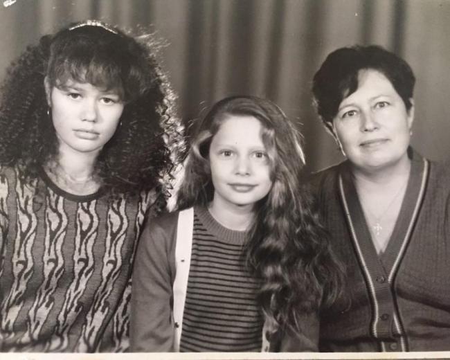 Наталья Рудова с мамой и старшей сестро