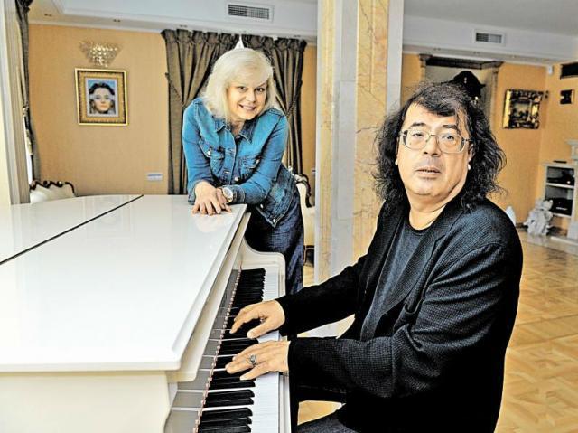Игорь Корнелюк с женой