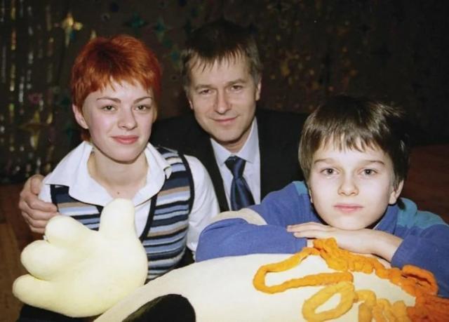 Игорь Ливанов с женой Ольгой и сыном Тимофеем