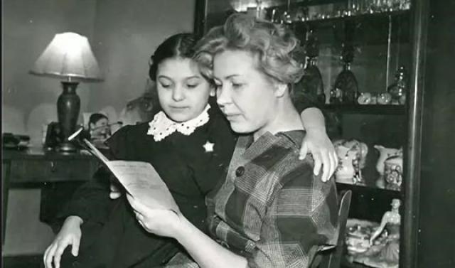 Наталья Бондарчук с мамой Инной