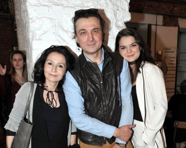 Александр Лазарев-младший с женой и дочерью