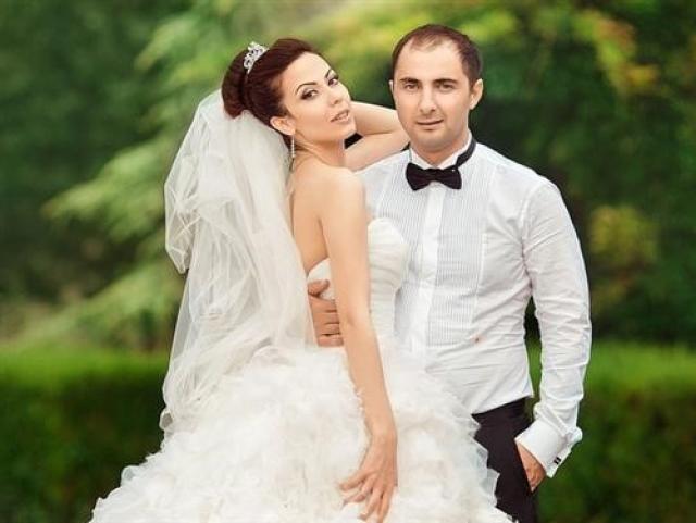 Свадебное фото Демиса Карибидиса и Пелагеи