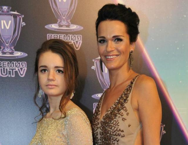 Певица Слава с дочерью