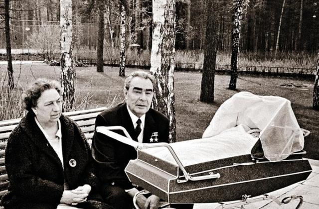 Леонид Брежнев с супругой Викторией Петровной