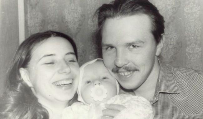 Гарик Сукачев с женой и ребенком