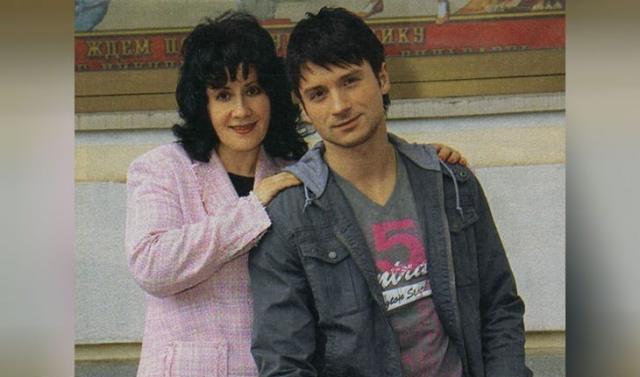 Мать Сергея Лазарева