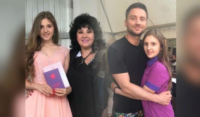 Племянница и мама Сергея Лазарева
