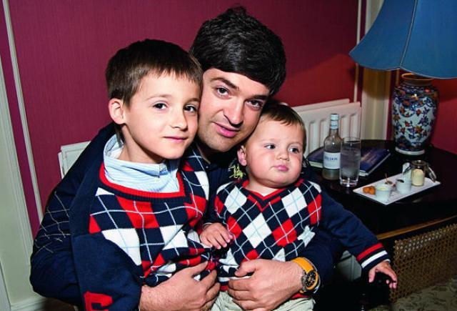 Сергей Доля с сыновьями