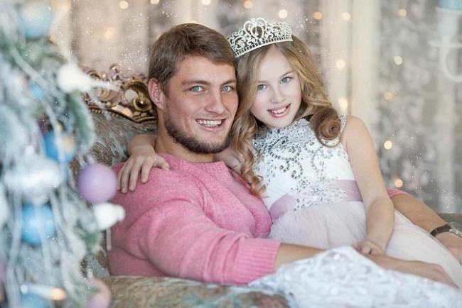 Александр Задойнов с дочкой