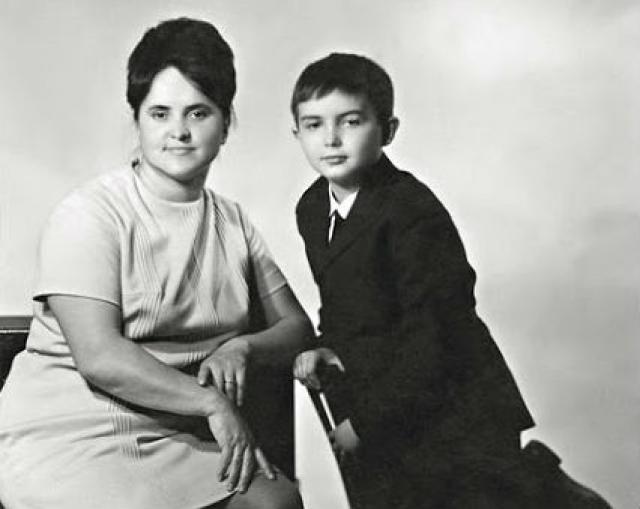 Андрей Козлов знаток в детстве