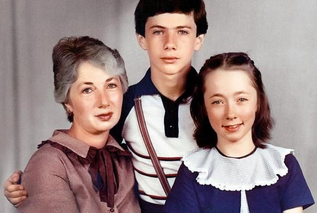 Софья Кругликова с мамой и братом