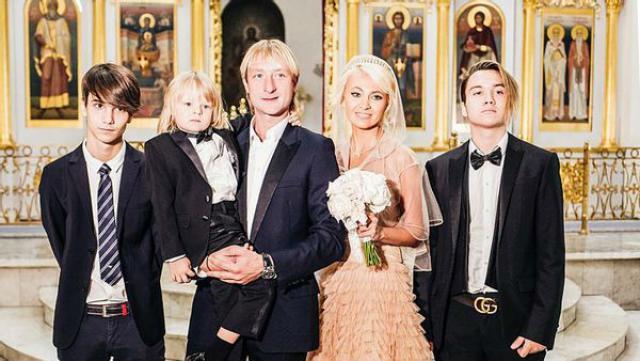 Семья Плющенко и Рудковской