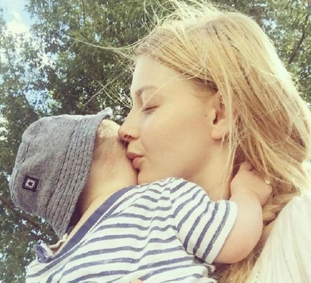 Любава Грешнова с сыном