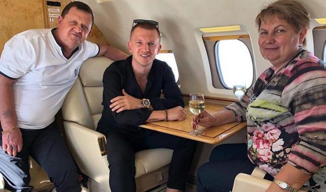 Павел Курьянов с родителями