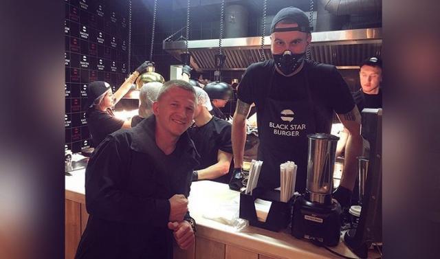 Павел Курьянов в Вlack Star Burger