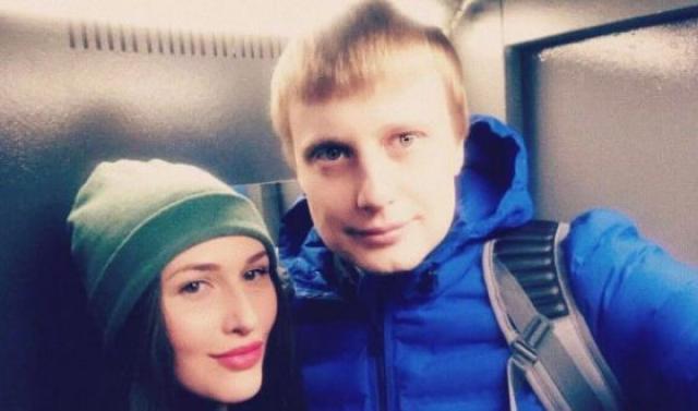 Слава Комиссаренко с девушкой