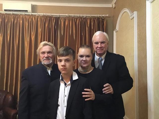 Дочь Владимира Молчанова с семьей