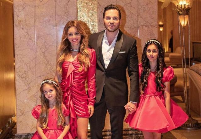 Анжелика Ревва с мужем и дочерями