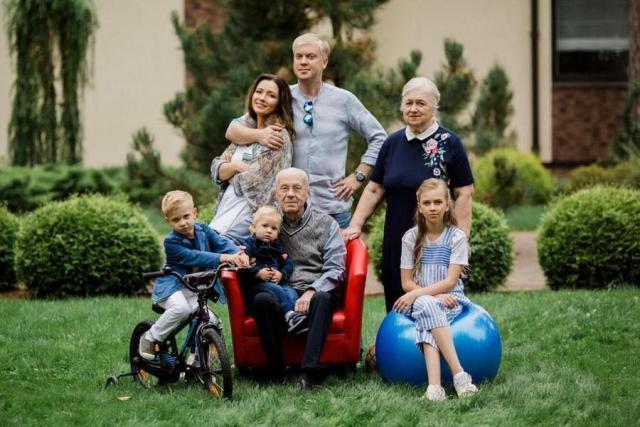 Семья Сергея Светлакова