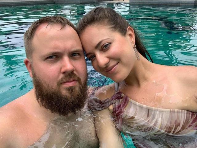 Валентин Петухов с женой