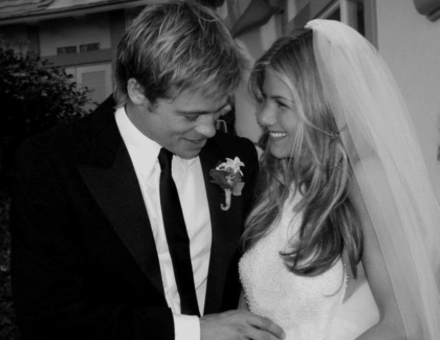 Свадебное фото Брэда Питта и Дженифер Энистон