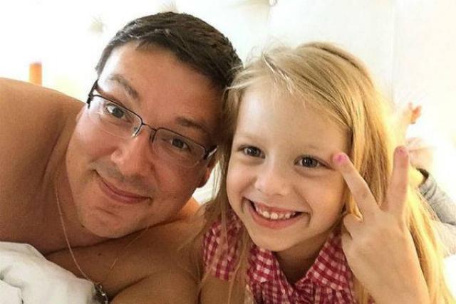 Андрей Чуев с дочкой Лизой