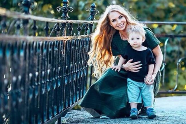 Бывшая жена Стаса Пьехи и его сын Петр