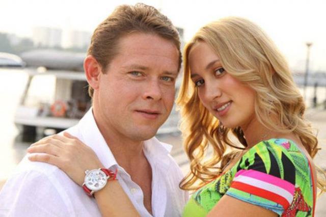 Павел Буре с женой Алиной
