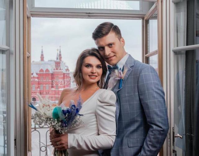 Фигурист Александр Энберт с женой