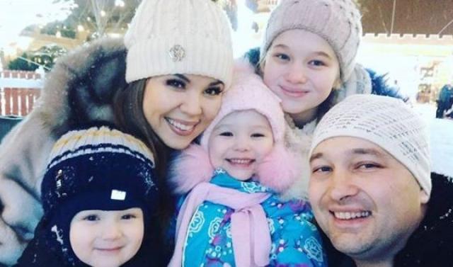 Гузель Уразова с семьей